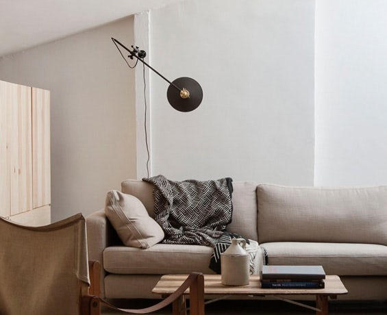 An alternative image of Wall Lamp in use